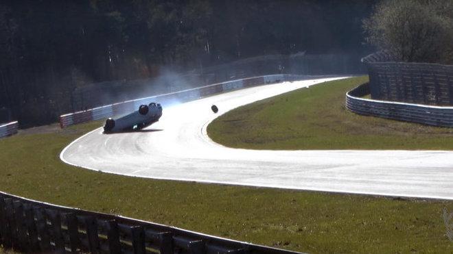 Renault Mégane RS a nehoda ne Nurburgringu