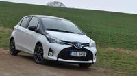 TEST: Toyota Yaris 1.5i HSD Hybrid - Do města a nikam jinam - anotační obrázek