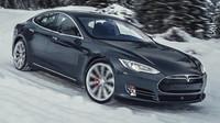 Majitel Tesly Model S prožil horké chvíle. Mohl za to mobilní signál - anotačno foto