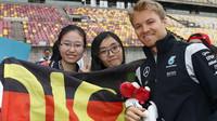 Nico Rosberg při autogramiádě v Číně