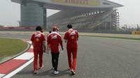 Sebastian Vettel se seznamuje s tratí v Číně