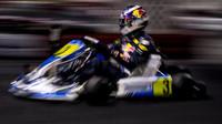Daniel Ricciardo na motokárách v Číně