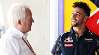 Charlie Whiting a Daniel Ricciardo v Číně