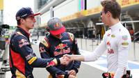 Max Verstappen, Carlos Sainz a Daniil Kvjat v Číně