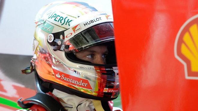 Sebastian Vettel si v opatrném deštivém tréninku vedl nejlépe