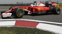 Sebastian Vettel při pátečním tréninku v Číně