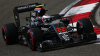 Jenson Button s McLarenem MP4-31