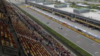 GRAFIKA: Startovní rošt v Číně po penalizaci Hamiltona a Hülkenberga - anotační obrázek