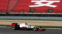 Romain Grosjean s Haasem v Číně