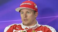 Kimi Räikkönen při tiskovce po kvalifikaci v Číně