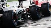 Sergio Pérez čeká na výjezd do kvalifikace v Číně