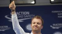 Nico Rosberg po vyhrané kvalifikaci v Číně