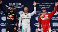 Daniel Ricciardo, Nico Rosberg a Kimi Räikkönen po kvalifikaci v Číně
