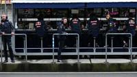 Pitwal týmu Red Bull v kvalifikaci v Číně