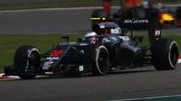 Jenson Button v závodě v Číně