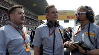 Paul Hembery, Mario Isola a před závodem v Číně