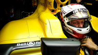 Kevin Magnussen v závodě v Číně