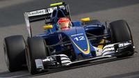 Felipe Nasr v závodě v Číně