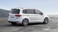 Volkswagen uvádí na trh Touran R-Line a vrcholný dvoulitr TDI.