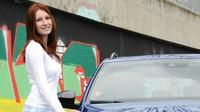 Škoda Octavia Combi RS TDI a pózující obdivovatelka
