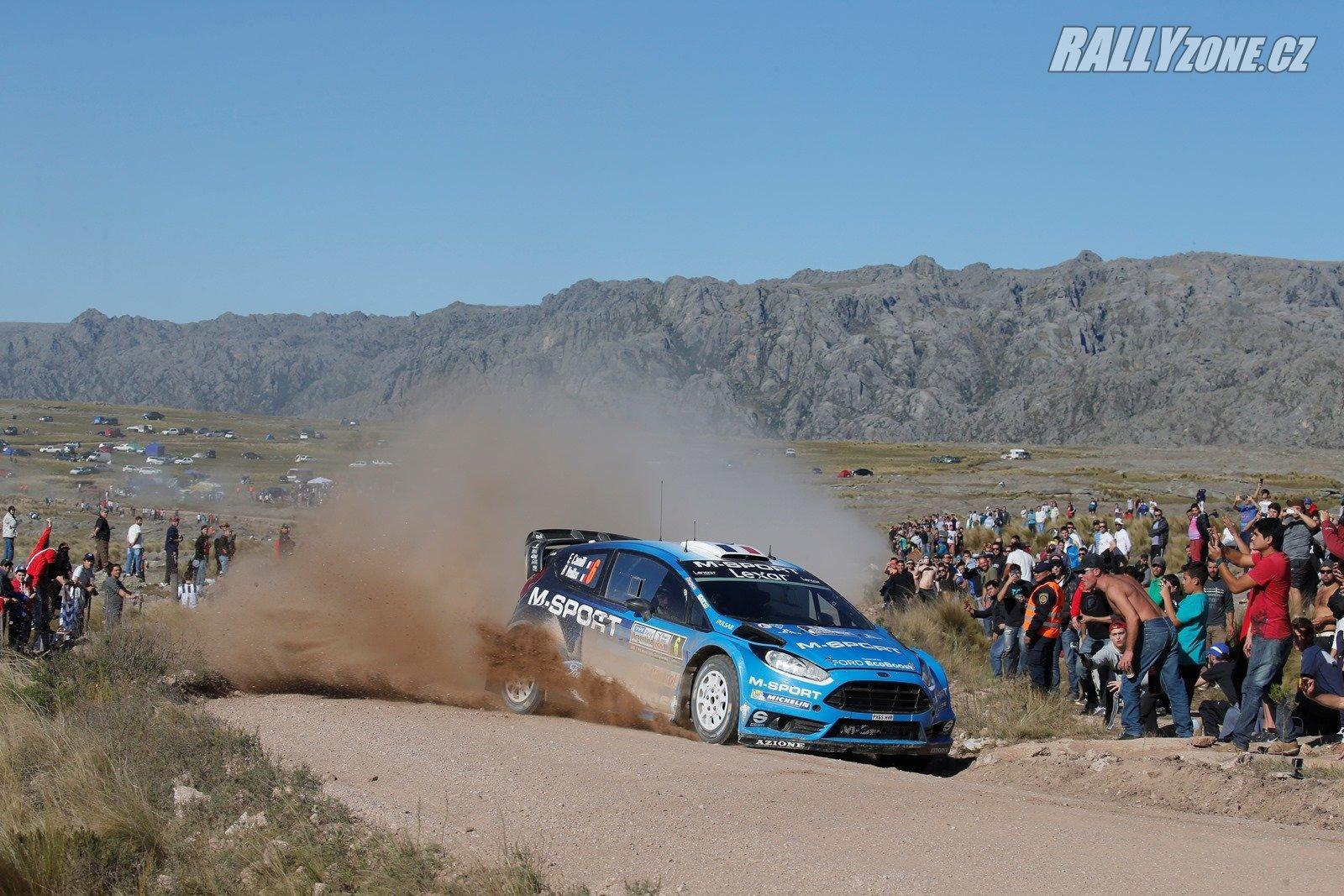 Camilliho potkal stejný osud jako Evanse dříve, z Fiesty WRC míří do Fiesty R5