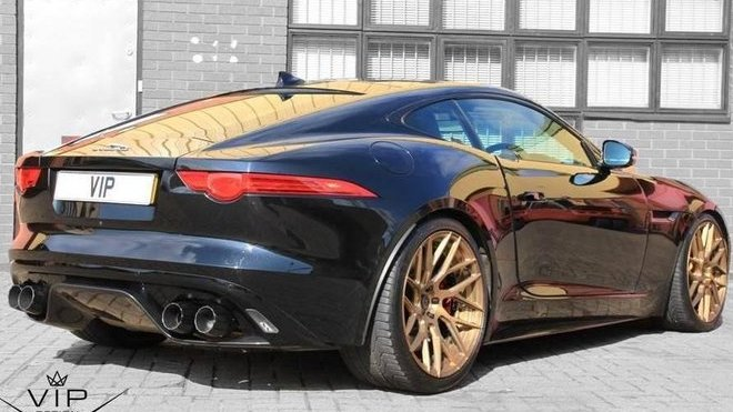 Jaguar F-Type R AWD Coupe od VIP design