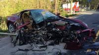 Těžká nehoda  Ferrari 599 GTB. Za volantem seděl slavný český politik - anotační foto
