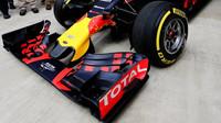 Přední křídlo vozu Red Bull RB12 - Renault v Soči