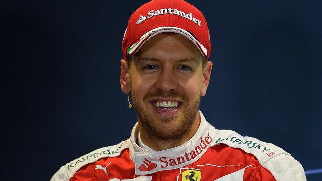 Sebastian Vettel flintu do žita ještě nehází