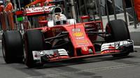 Sebastian Vettel při kvalifikaci v Soči