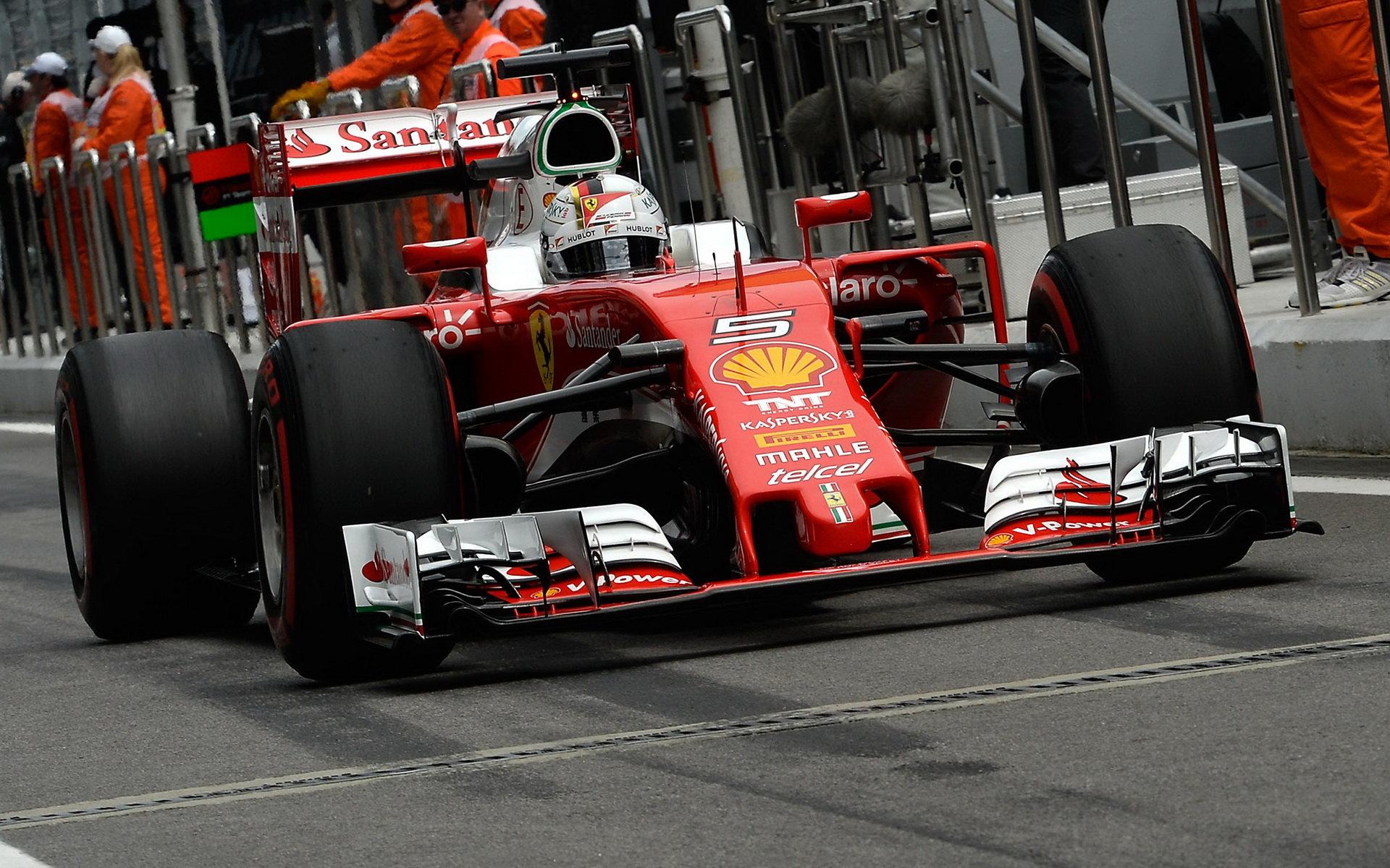 Ferrari: Vettelův motor po kolizích s Kvjatem poškozen není - anotační foto