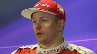 Kimi Räikkönen na tiskovce po závodě v Soči