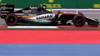 NEJVYŠŠÍ RYCHLOSTI závodu: Pérez 334 km/h, druhý Magnussen s Renaultem - anotační foto