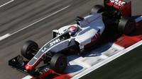 Romain Grosjean při závodě v Soči