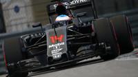 Alonso zajel velmi rychlé kolo, aby se probudil a užil si trochu zábavy - anotační foto