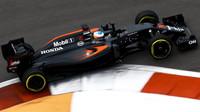 Fernando Alonso při kvalifikaci v Soči