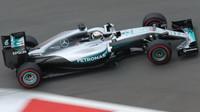 Lewis Hamilton při kvalifikaci v Soči