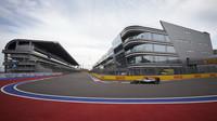 Lewis Hamilton s Mercedesem v Soči