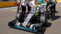 Lewis Hamilton před závoděm v Soči