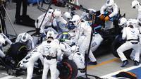 Felipe Massa v boxech při závodě v Soči
