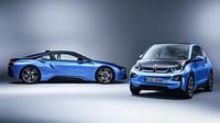 BMW i3 & i8 v modré metalíze Protonic.