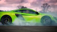 Chris Evans v McLarenu během natáčení Top Gear