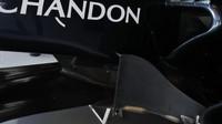Podlaha vozu McLaren MP4-31 Honda v Barceloně