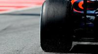 McLaren při tréninku v Barceloně