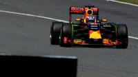 Daniel Ricciardo při tréninku v Barceloně