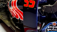 Bočnice vozu Toro Rosso STR11 - Ferrari v Barceloně