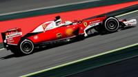 Sebastian Vettel při kvalifikaci v Barceloně
