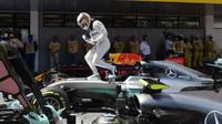 Lewis Hamilton po kvalifikaci v Barceloně
