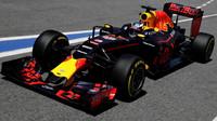 Daniel Ricciardo při kvalifikaci v Barceloně