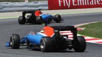 Pascal Wehrlein a Rio Harjanto v závodě v Barceloně